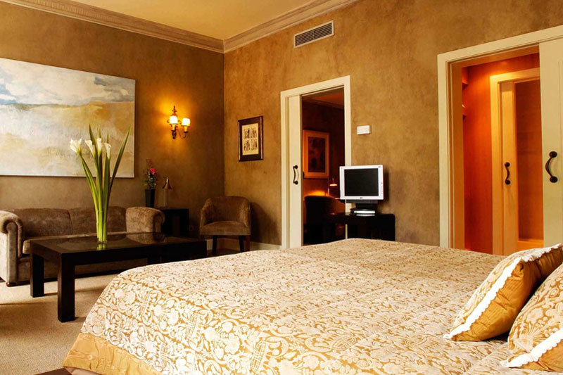 Services Hotel Booking